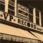 Compilation Down in jamaica: 40 years of VP records avec Alborosie / The Heptones / Gregory Isaacs / Dennis Brown / Johnny Clarke...