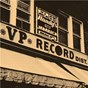 Compilation Down In Jamaica: 40 Years of VP Records avec Estelle / The Heptones / Gregory Isaacs / Dennis Brown / Johnny Clarke...